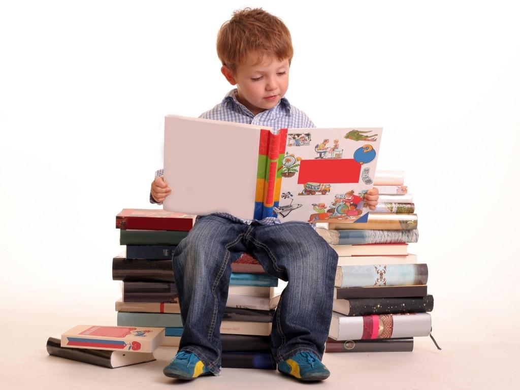 crianca-lendo